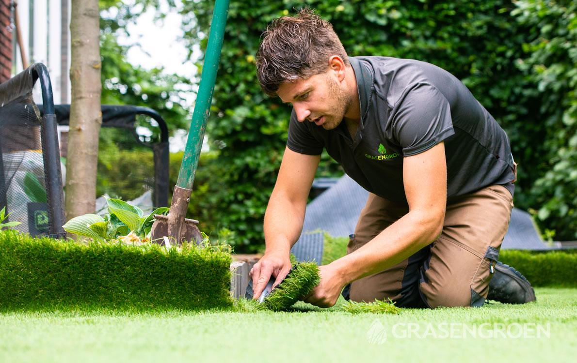 Kunstgraslatenleggen1 • Gras en Groen Kunstgras