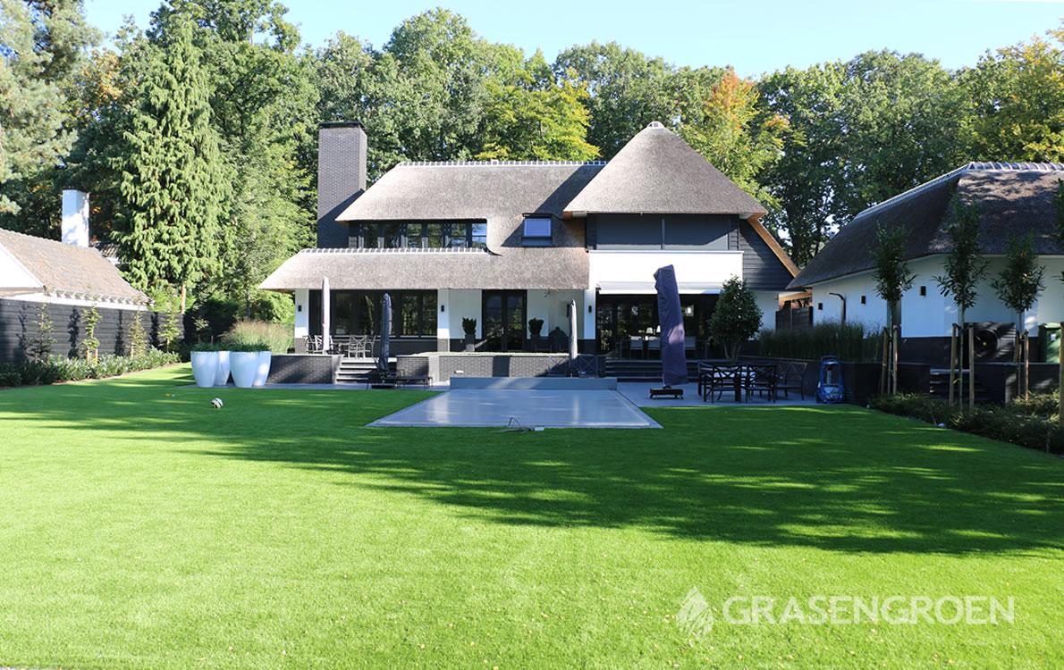 Kunstgraslatenleggen2 • Gras en Groen Kunstgras