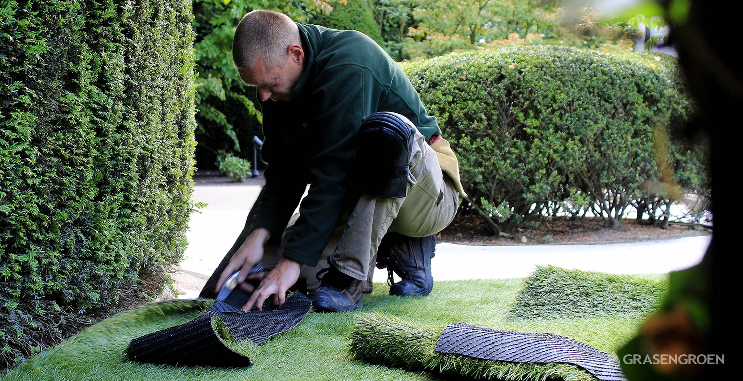 Kunstgrasleggenverlijmenslider1 • Gras en Groen Kunstgras