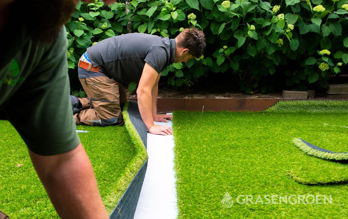 Kunstgrasverlijmen1 • Gras en Groen Kunstgras