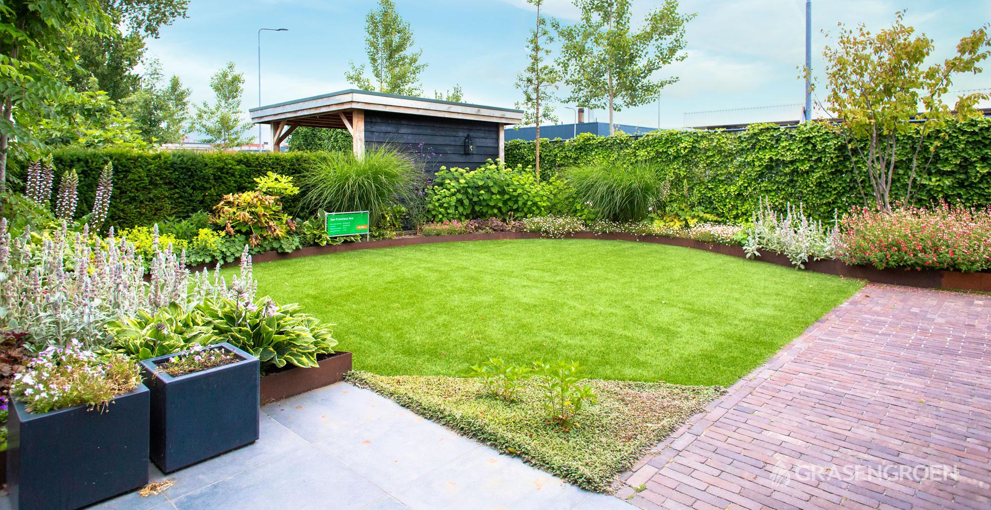 Showtuinkunstgrasslider2 • Gras en Groen Kunstgras